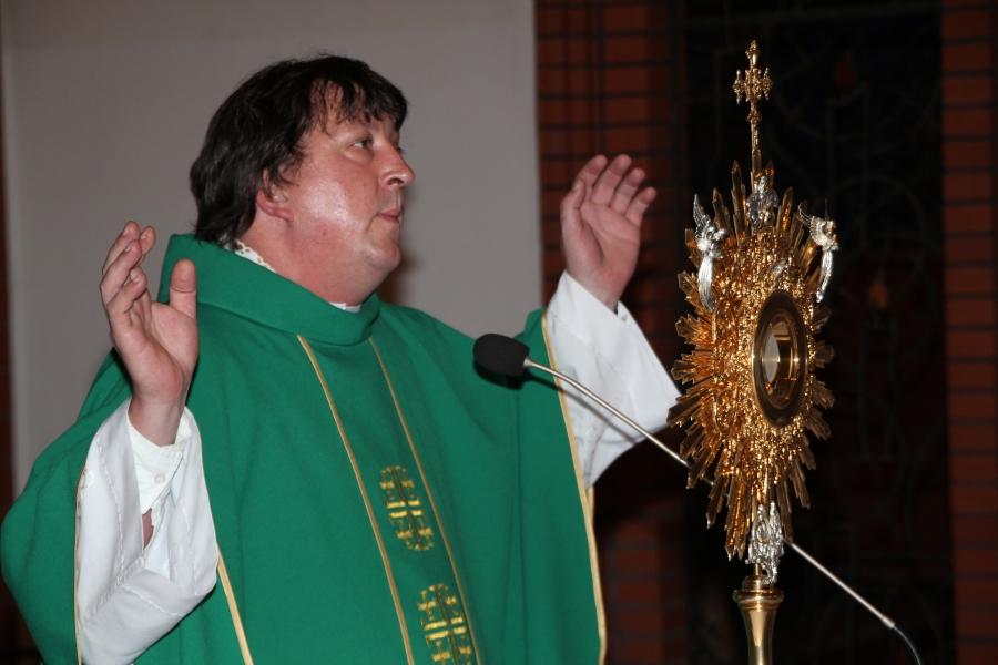 Msza św. z modlitwą o uzdrowienie (ojciec Teodor Knapczyk) w św. Jacku